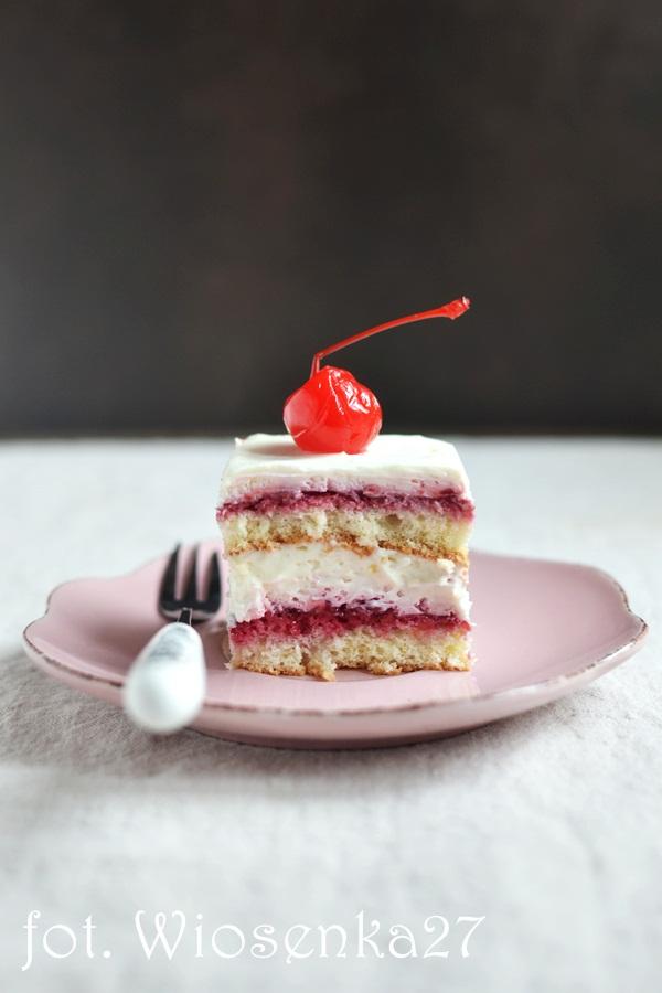 Ciasto wiśniowe z masą z białej czeklady