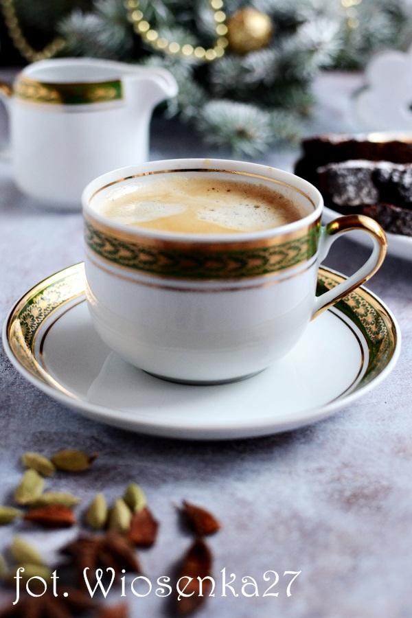 Świąteczna kawa korzenna
