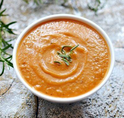 Zupa z pieczonej dyni i pomidorów