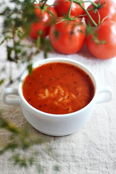 Lekka Zupa Pomidorowa Eksplozja Smaku