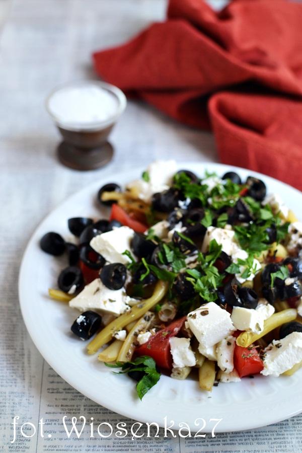 Sałatka z fasoli szparagowych i oliwek