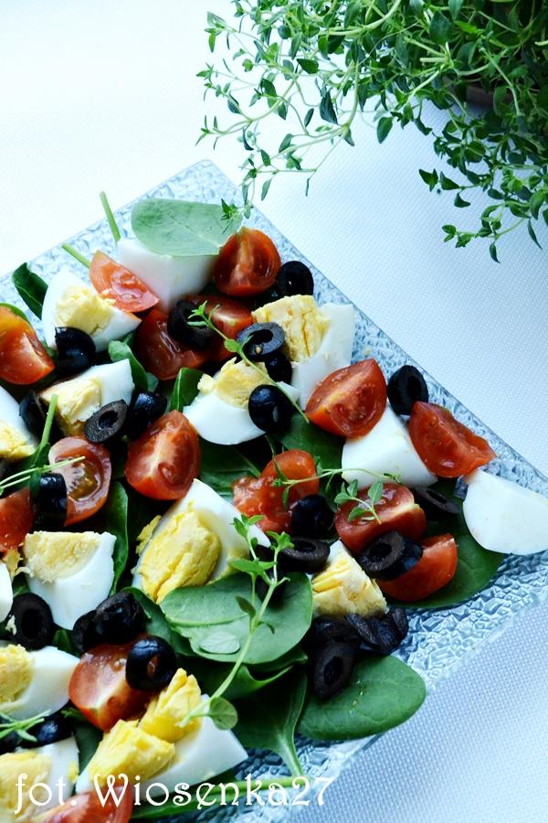 Sałatka jajeczna z oliwkami