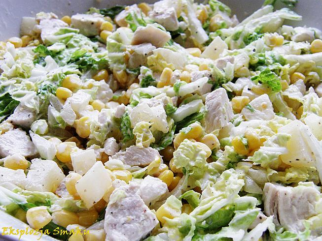 Salatka Z Kapusta Pekinska Kurczakiem I Ananasem Eksplozja Smaku