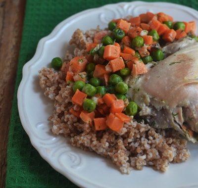 Kurczak z marchewką i groszkiem
