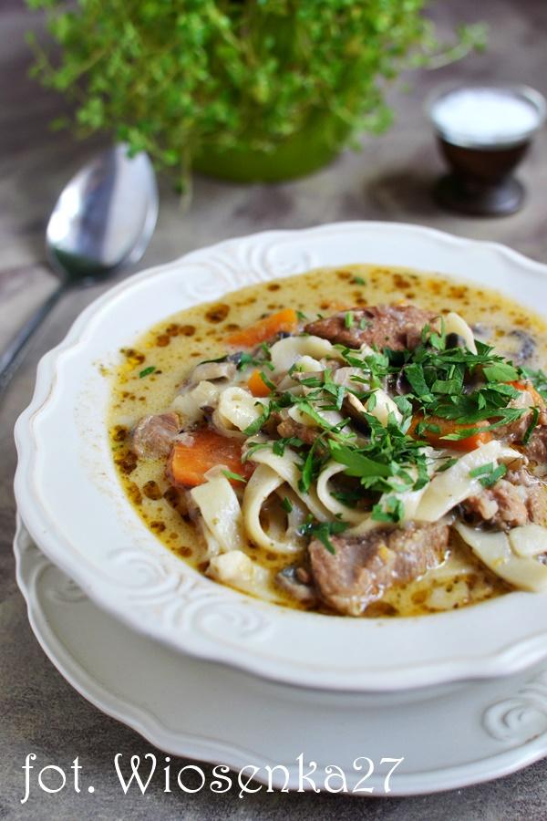 Zupa beef borginion