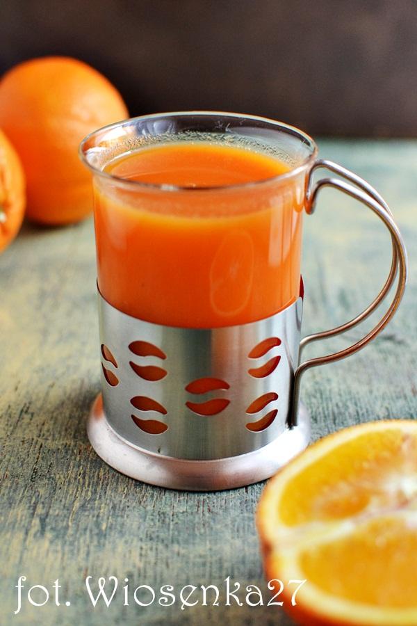 Zupa marchewkowo pomarańczowa