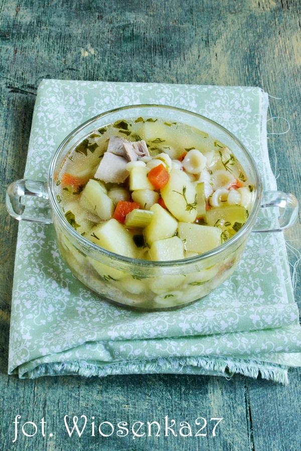 Zupa warzywna z kurczakiem